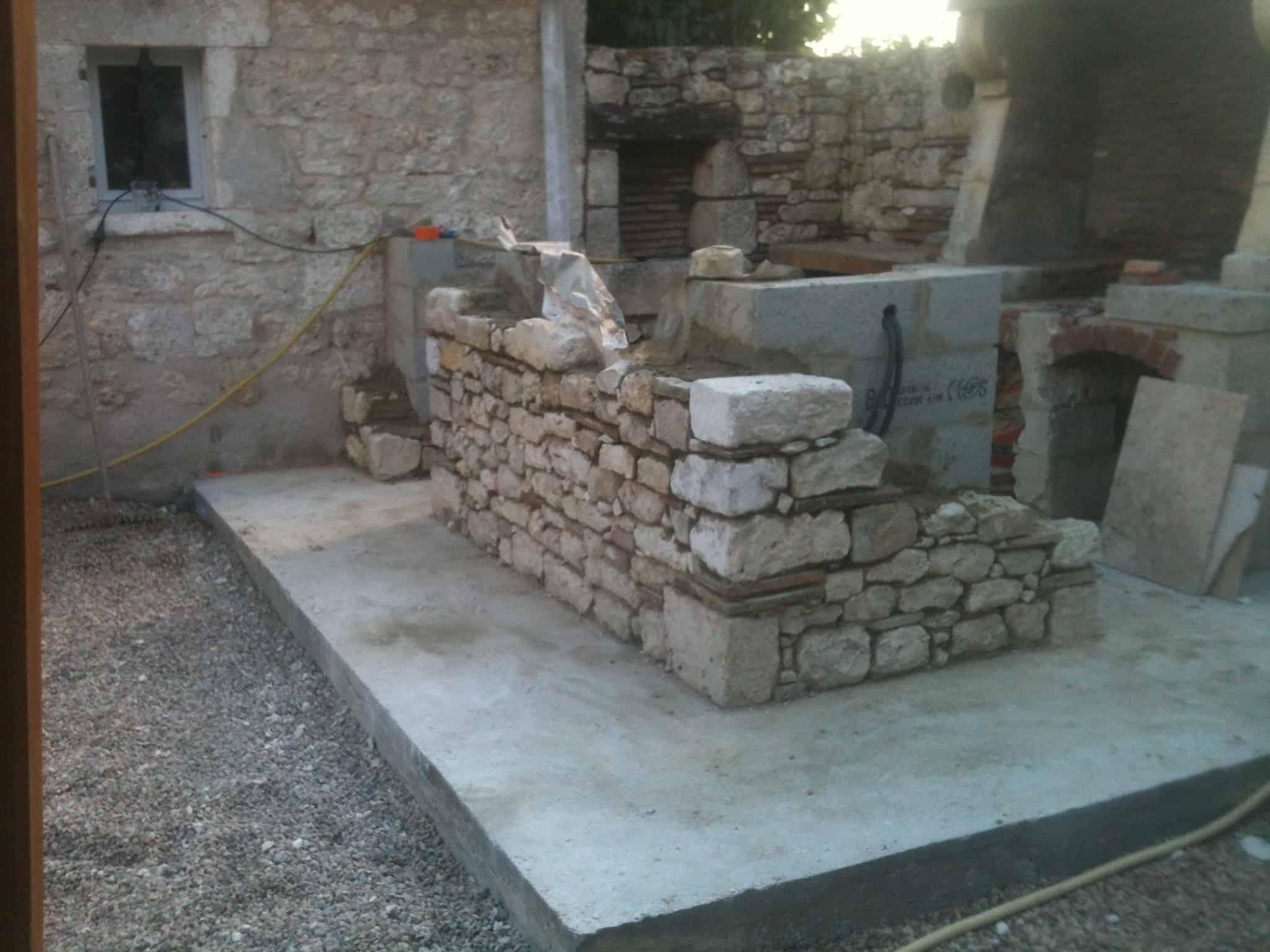 Réalisation bar en pierre